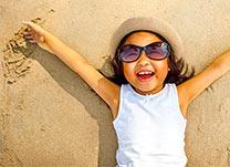 As crianças podem usar óculos escuros?