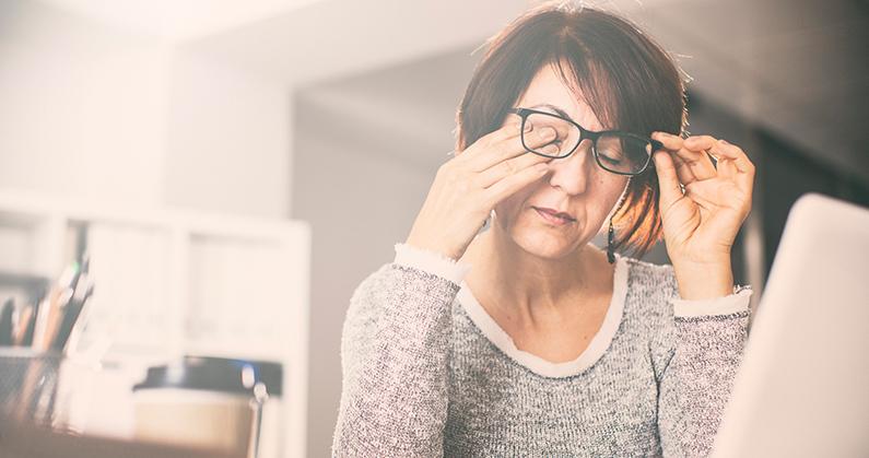Hospital de Olhos Limongi - Blog - Coçar os olhos com frequência pode ser sinal de doença oc