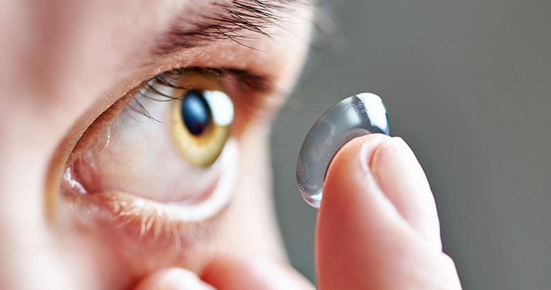 Hospital de Olhos Limongi --blog -4 cuidados fundamentais para quem usa lentes de contato