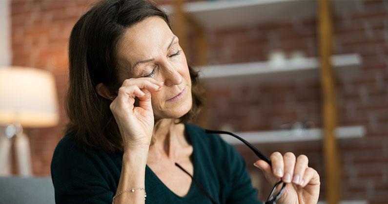 Hospital de Olhos Limongi --blog -5 possíveis causas para coceira nos olhos